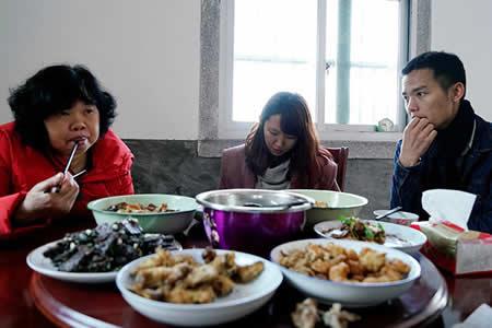 Una bloguera china se convierte en 'novia de alquiler' y narra su historia