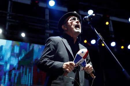 Rubén Blades se despide de los escenarios bailando su salsa eterna