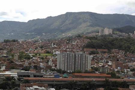 Medellín quiere borrar el pasado marcado por los narcos con inversión social
