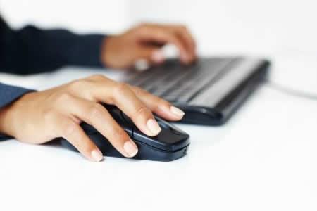 El 80 % de jóvenes en 104 países tienen acceso a internet, reveló la ONU