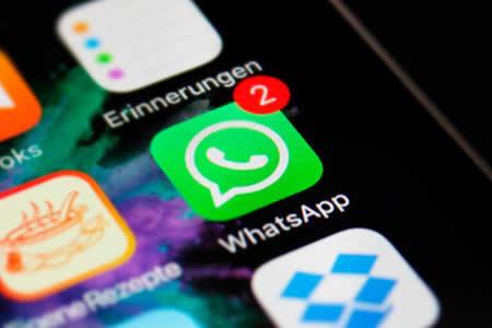 WhatsApp facilita la búsqueda de 'emojis' y el cambio de fuente