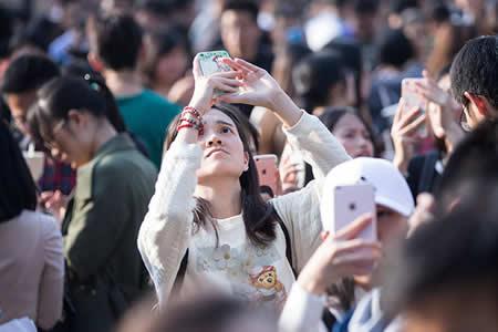 Las 7 aplicaciones chinas que demuestran que es posible vivir sin WhatsApp y Instagram