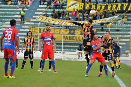 El Tigre gana y mete suspenso en el torneo