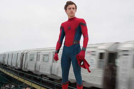"""Tom Holland, un Spiderman """"entre Tobey Maguire y Andrew Garfield"""""""