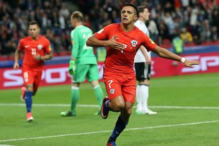 Alexis Sánchez supera a Salas como máximo goleador de la historia de Chile