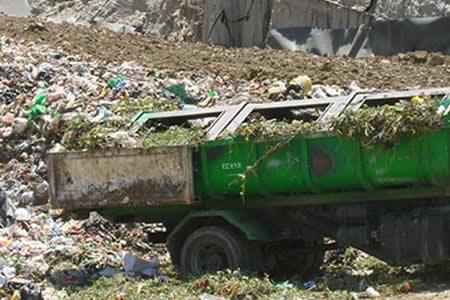 La Paz: Hallan cadáveres de dos bebedores en el botadero