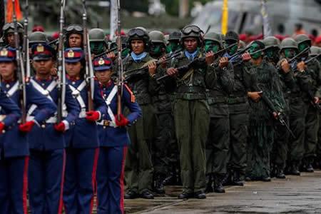 Oposición pide a FFAA defender al pueblo y Maduro reitera denuncias de golpe