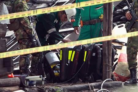 Sube a once el número de muertos por explosión en minas de carbón en Colombia