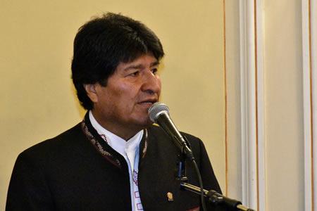 Evo Morales: Piñera 'Usa el poder público para negocio privado'
