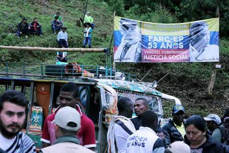 Colombia espera la jornada histórica en que las FARC dejarán las armas