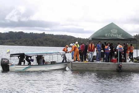 Colombia investiga causas del naufragio que deja 7 muertos y 9 desaparecidos