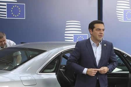 Tsipras confía en que Grecia saldrá pronto a los mercados de deuda
