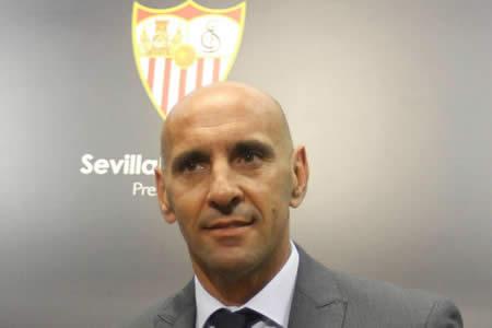 El Sevilla anuncia la salida de Monchi del club