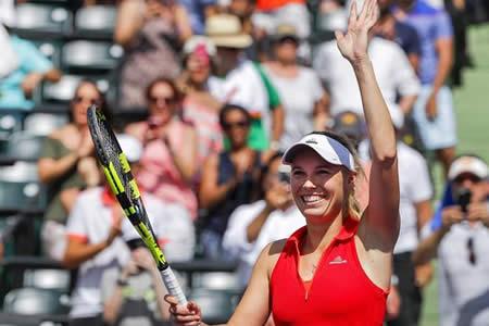 Wozniacki llega a la final de Miami tras remontar a Pliskova