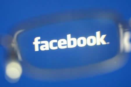 Facebook contratará a 3.000 personas más para supervisar vídeos violentos