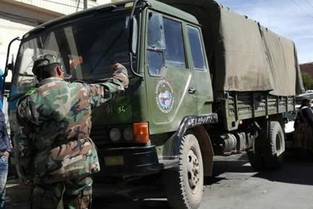 Camión militar atropella a una mujer de la tercera edad