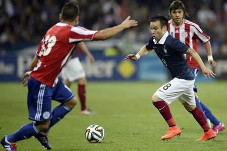 Paraguay se entrena con cuatro nuevos jugadores antes de viajar a Francia