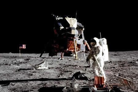 Reconstruyen la llegada del hombre a la Luna con miles de fotos desclasificadas de la NASA