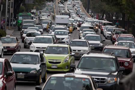 Exceso de autos y calor, causas de elevada contaminación en Valle de México