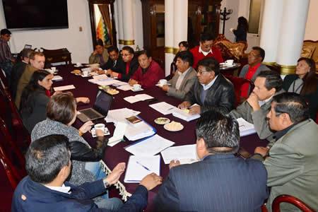 Legislativo y transporte suscriben acuerdo sobre observaciones al Código del Sistema Penal