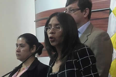 Oposición ve poca la sanción a quien cultive coca ilegal