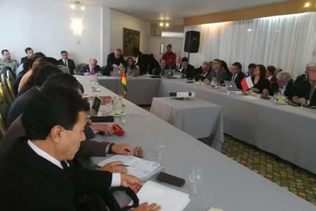 Bolivia y Chile analizan en Arica libre tránsito