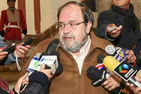 Aguilar: Proceso de preinscripción estará vigente hasta noviembre y no es por orden de llegada
