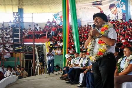 Morales está casi seguro: Tal vez no haya doble aguinaldo este año