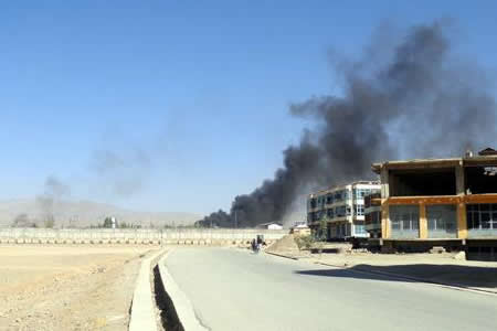 Se elevan a 53 los muertos y a 158 los heridos en ataque a Policía afgana