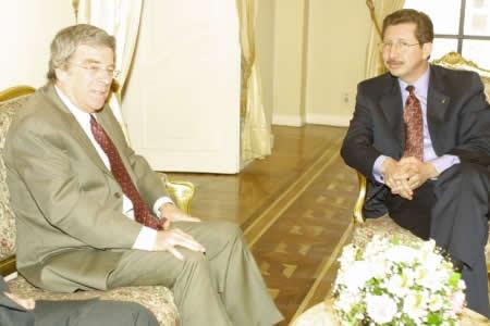Sánchez Berzaín acusa a Mesa de traidor y sedicioso