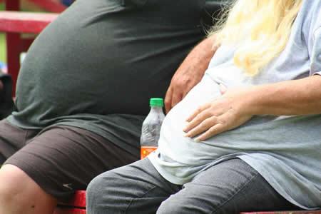 Aumentan casos de cáncer vinculados con la obesidad y el sobrepeso en EE.UU.