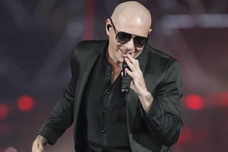 """Pitbull recibirá el premio a la """"transcendencia musical"""" de los Latin AMAs"""