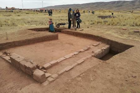 """Confirman hallazgo de una """"gran edificación"""" en las ruinas de Tiahuanaco"""