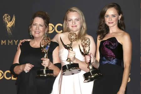 """The Handmaid's Tale"" hereda la corona de ""Game of Thrones"""