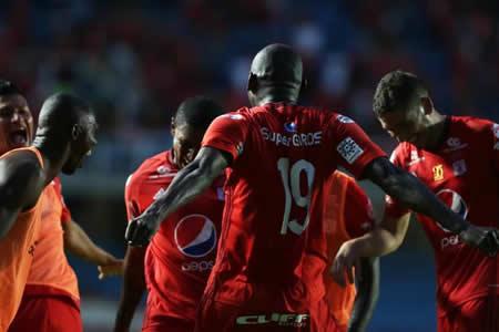 Da Silva debuta con triunfo en el banco del América en liga colombiana