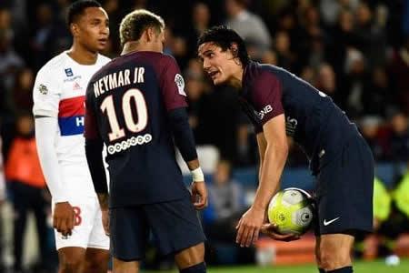 Los egos de Neymar y Cavani, una patata caliente para Emery
