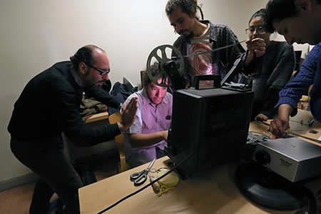 Artista español pide mostrar cine experimental a niños para que sean críticos