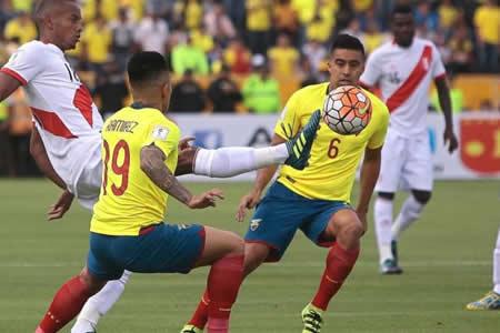 Célico dará prioridad a jugadores en Ecuador para partido contra Chile