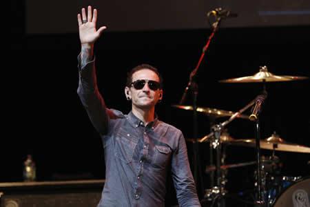 Viuda del cantante de Linkin Park revela grabación de su esposo horas antes de su muerte