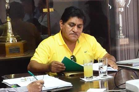 El presidente del Comité Electoral apunta a Carlos Ribera