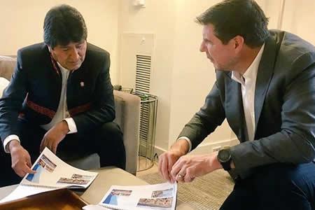 Evo Morales y Marcelo Claure hablan sobre proyectos de estadios