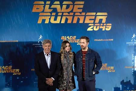 "Harrison Ford y Ryan Gosling prometen ""misterio"" en ""Blade Runner 2049"""