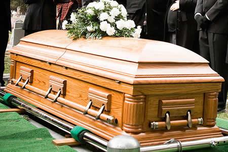 Prohibido tirarse de los pelos y llorar muy alto en los funerales tayikos