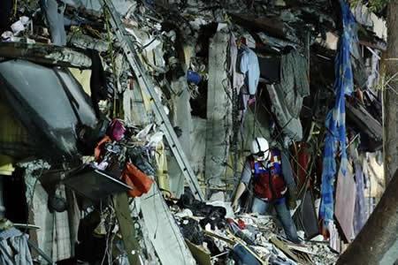 En Ciudad de México, una jornada laboral rutinaria quebrada por el sismo