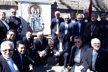 Virgen de Copacabana fue entronizada en el Vaticano