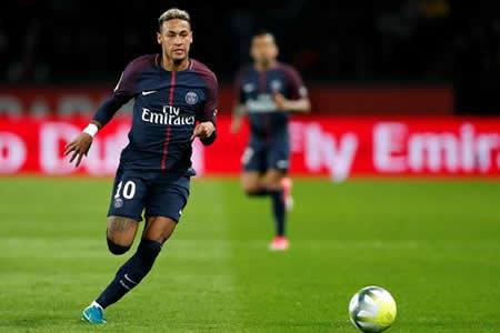 Neymar se queda fuera de lista ante el Montpellier por un golpe en el pie