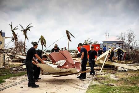 Trump se compromete a ayudar a P. Rico e Islas Vírgenes tras el huracán María