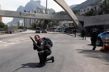 Policía realiza nueva operación en la mayor favela de Río de Janeiro