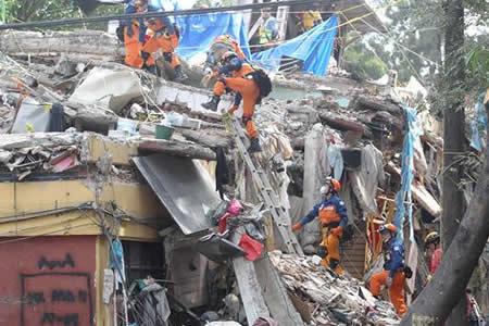Más de 1 millón de mexicanos piden dirigir fondos de campaña a reconstrucción