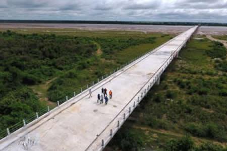 Santa Cruz recibió de regalo 3 nuevas carreteras